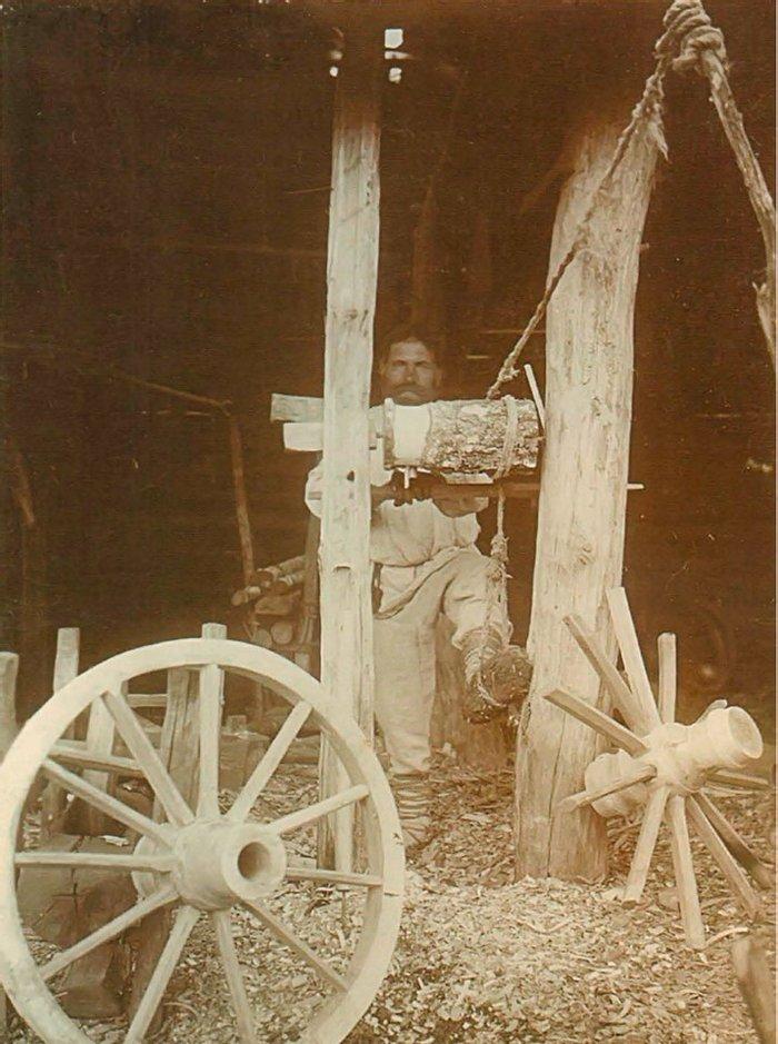 Изготовление колеса, 1912 год, деревня Заходы, Речицкий уезд Минской губернии