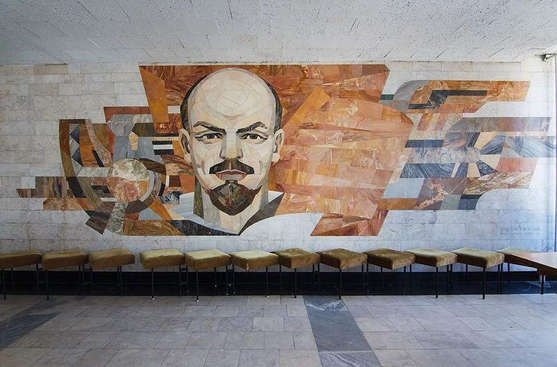 Исчезающее искусство: мозаичные панно советской Украине