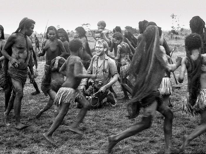 Майкл Рокфеллер, этнограф, вероятнее всего съеденный дикарями. 1960, Папуа Новая Гвинея