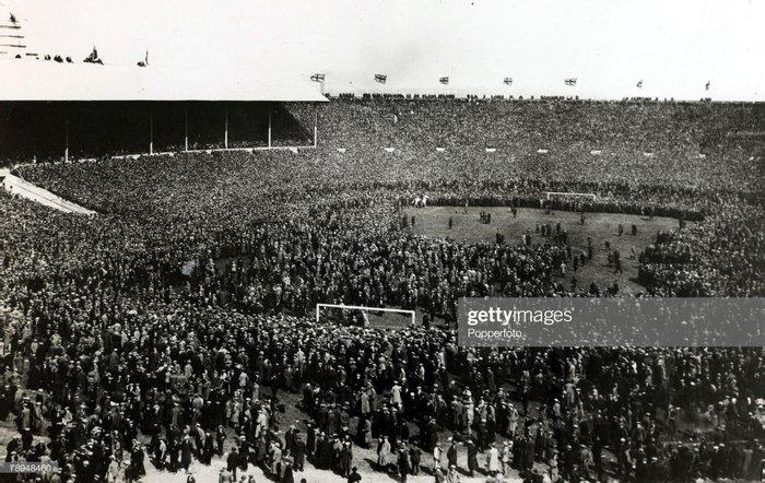 Первый матч на стадионе Уэмбли, 28 апреля 1923 года, Лондон