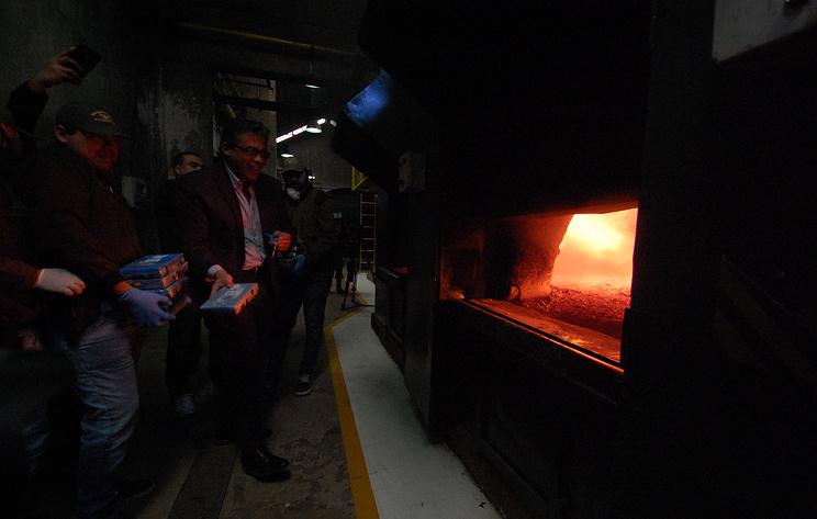 Майже 400 кг кокаїну, знайденого в російському посольстві, спалили в Аргентині - Цензор.НЕТ 2884