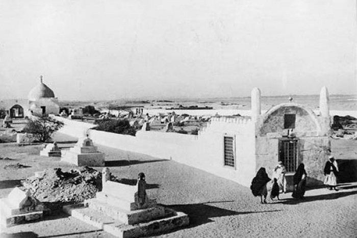 Шарль Винкельсен. Могила Евы на кладбище Джидды, Саудовская Аравия, 1918 г.